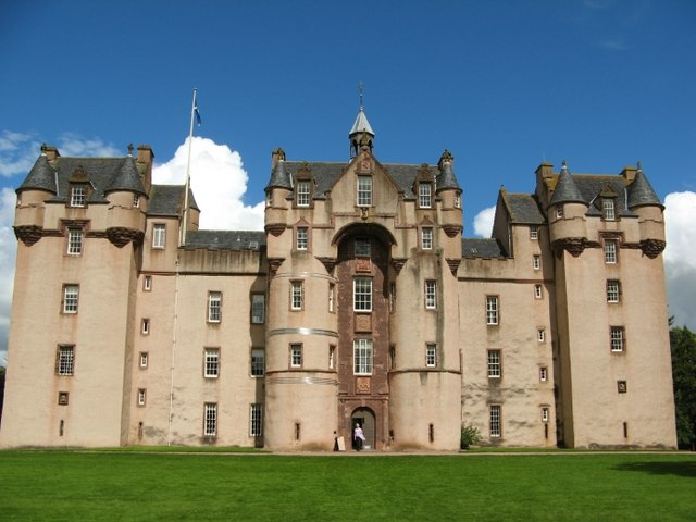 """Fyvie Castle, Geograph"" by Mike and Kirsty Grundy."